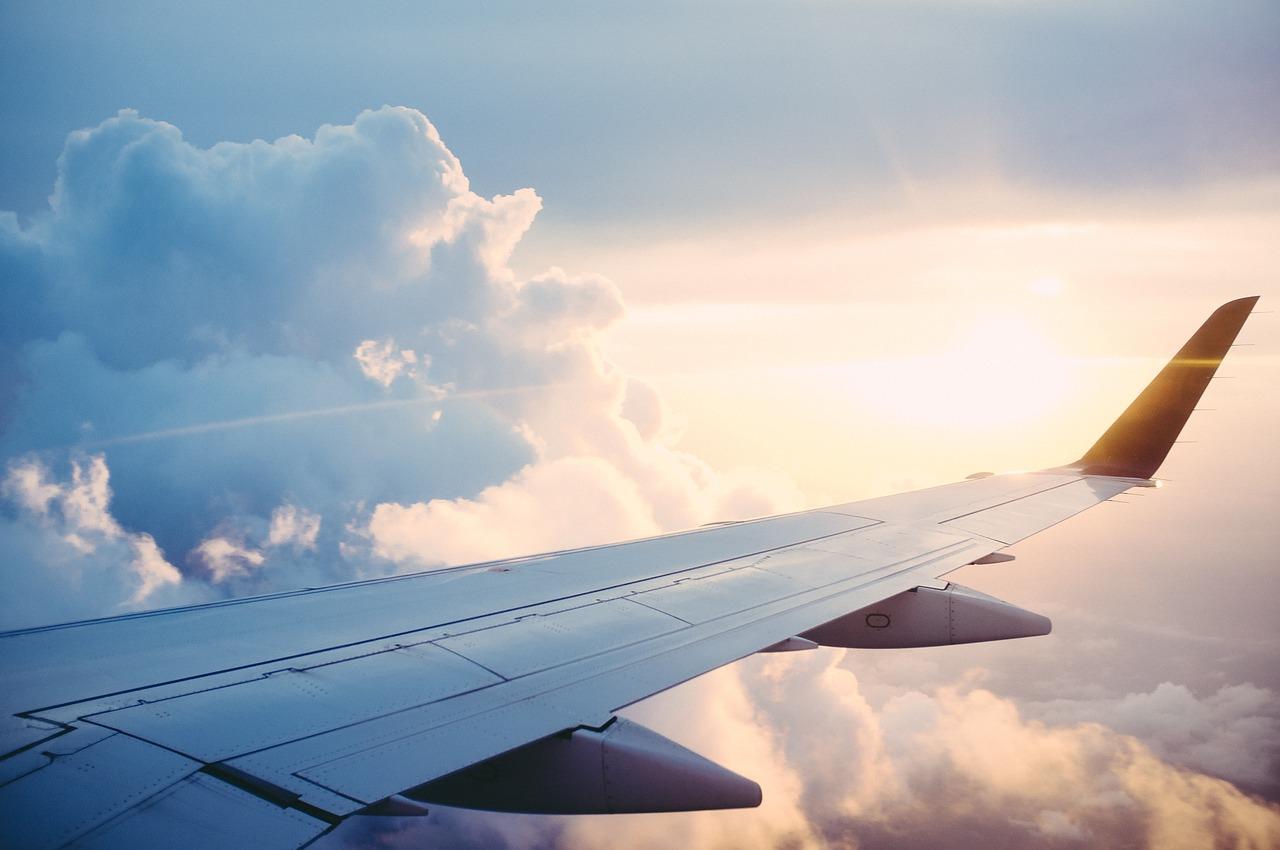 Niedługo Wakacje Jak Uniknąć Problemu Z Uszami Podczas Lotu Samolotem Al Warszawska 15 20 803 Lublin Tel 515 863 838